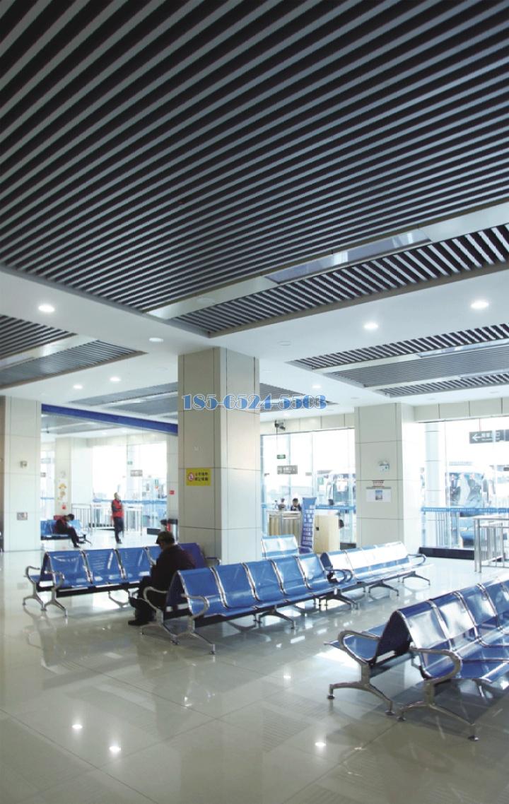 汽車站吊裝鋁方通型材