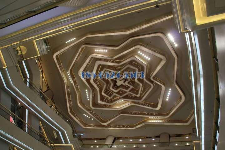 中庭大厅玫瑰花造型铝单板吊顶