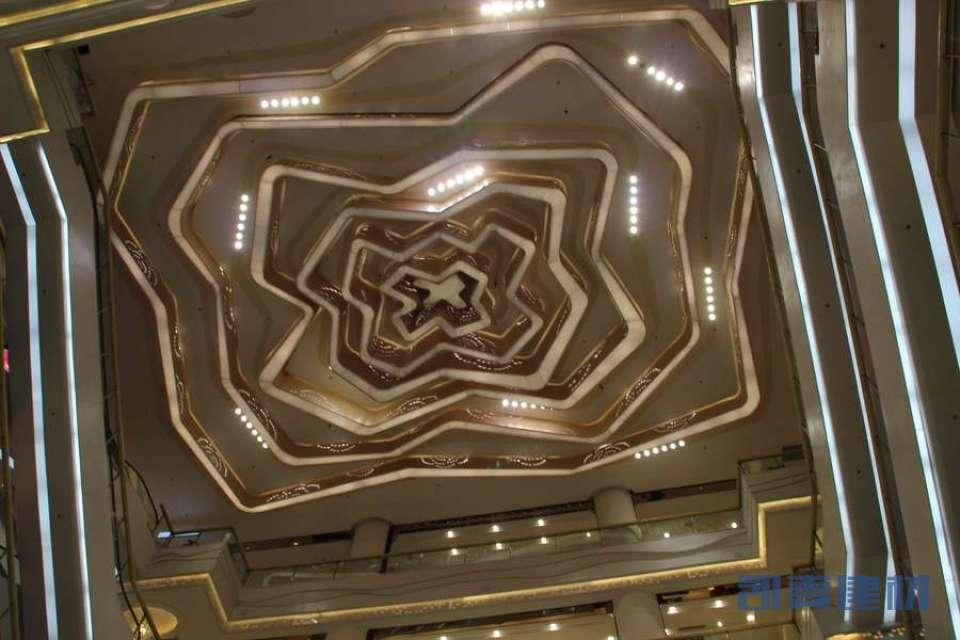 大堂顶面玫瑰花造型单板拼装灯槽