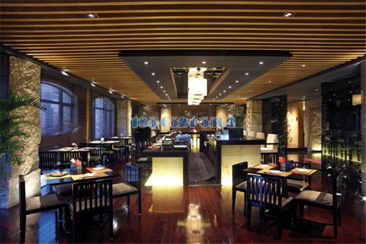飯館餐廳木紋鋁方通吊頂