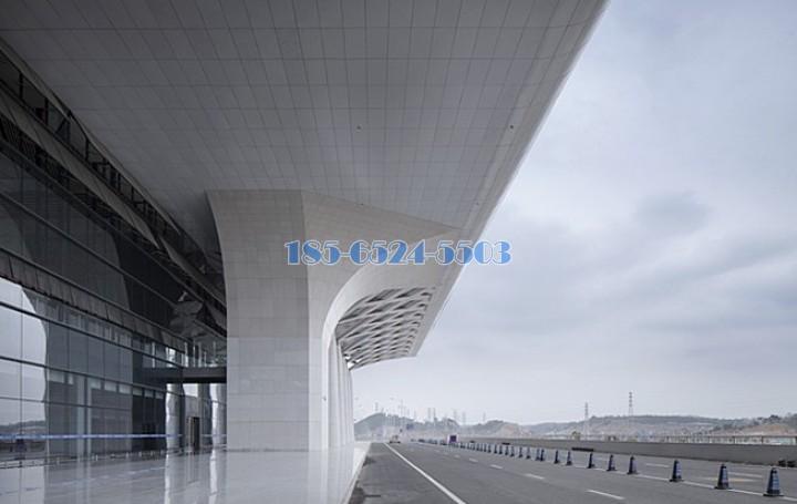 南宁东站飘蓬铝单板